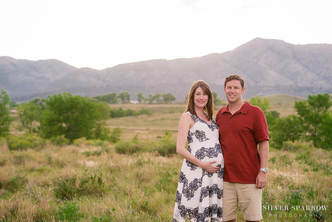 Best Maternity Photographer in Denver
